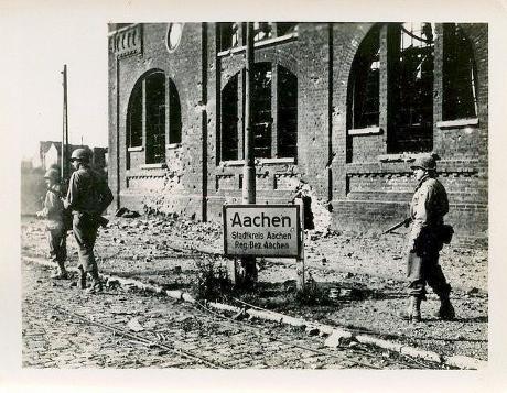 Aachen ww2 guided tours, ww2 tours aachen, world war 2 tour aachen, battlefield tour aachen, henri chapelle, ww2 tours germany, 3rd rech tours aachen, third reich tours, german bunkers, siegfried line tours, westwall private tours