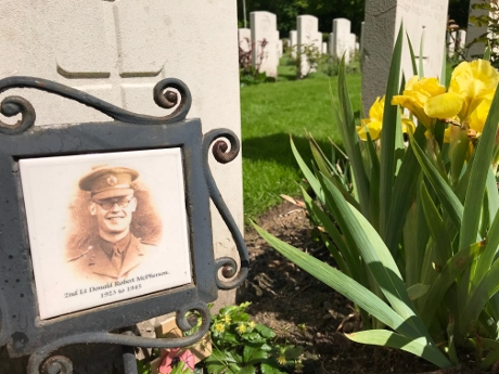 Mook War Cemetery, market garden guided tours, ww2 tours netherlands