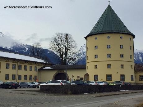 obersalzberg guided tours, 3rd reich tours berchtesgaden, berghof tour, eagles nest tour, kaserne berchtesgaden